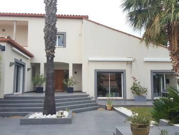 Maison 9 pièces 271 m2