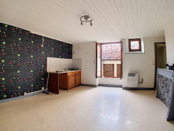Vente divers 9 pièces 200 m2