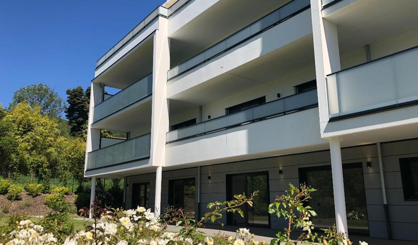 Apartment with terrace Divonne-les-Bains