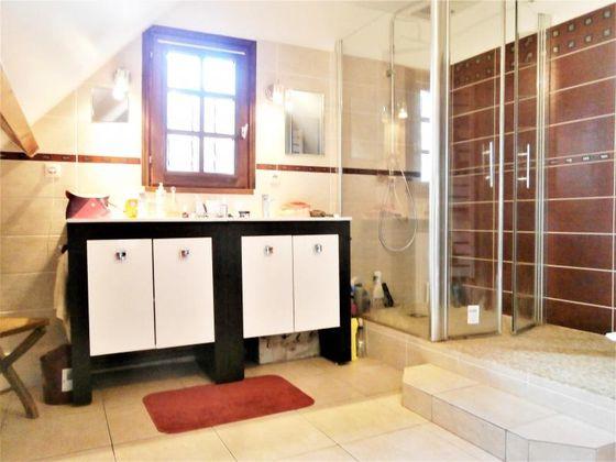 Vente propriété 8 pièces 269 m2