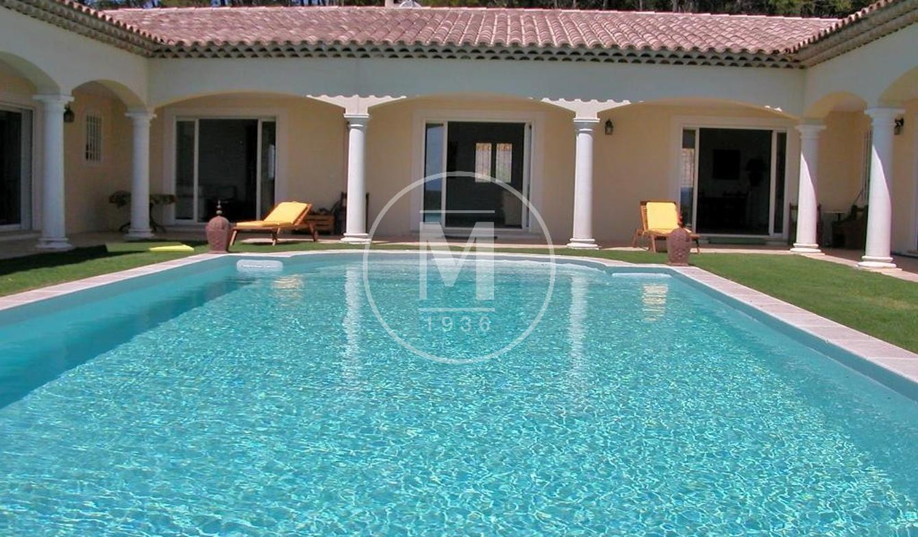 Villa avec piscine et terrasse Draguignan