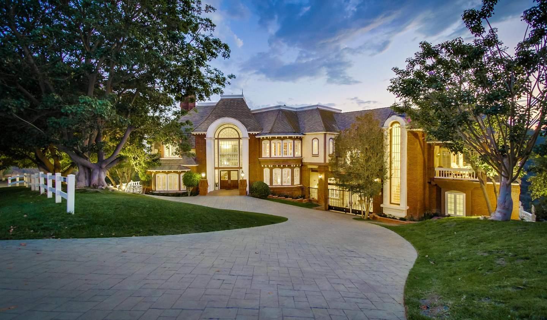 House with pool Diamond Bar