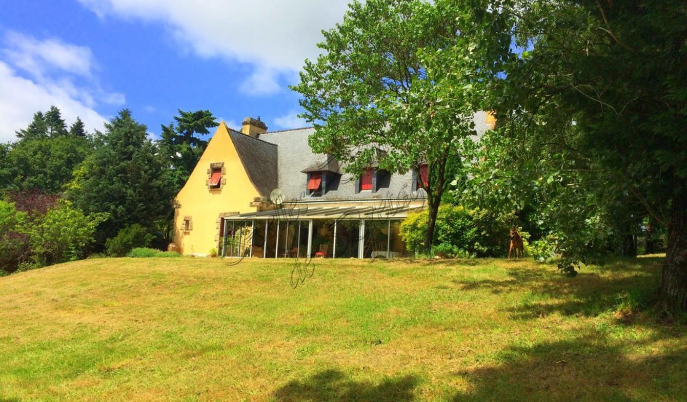 House with terrace Surzur