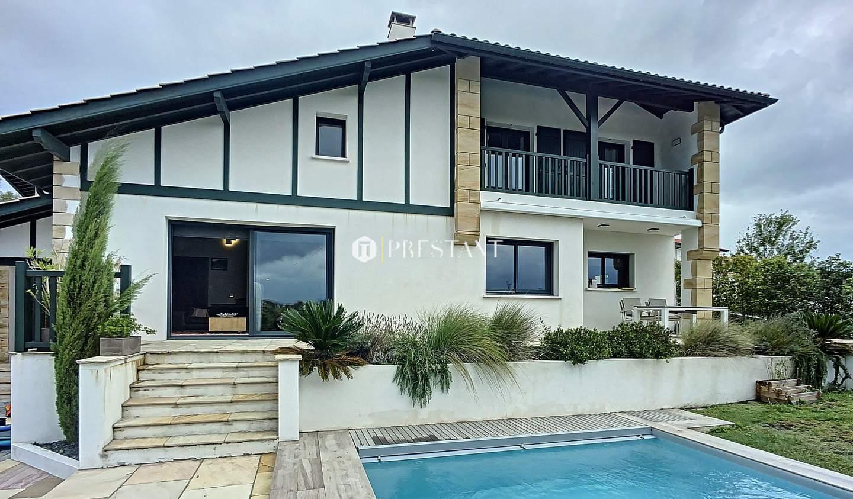 Maison avec piscine et terrasse Ahetze