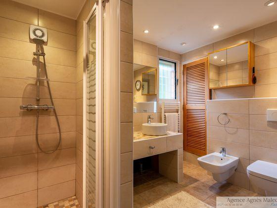 Vente villa 8 pièces 230 m2