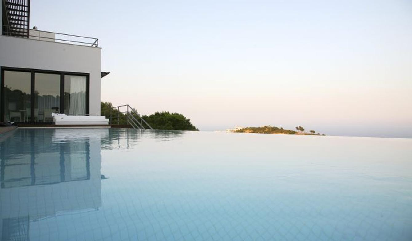 Seaside villa with pool Begur
