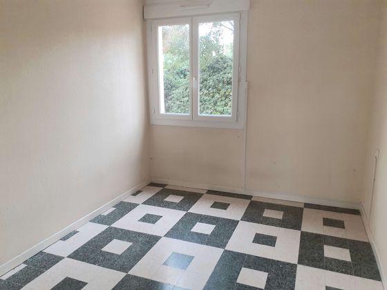 Location appartement 3 pièces 68,52 m2