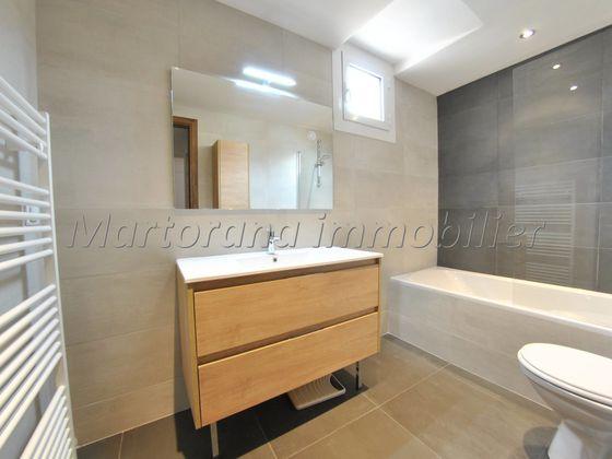Location appartement 5 pièces 95,77 m2
