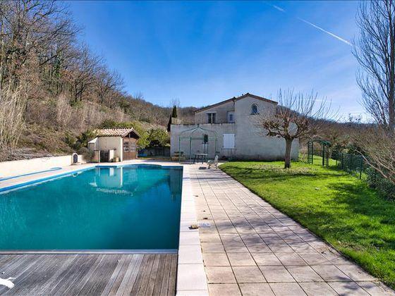 Vente maison 9 pièces 270 m2