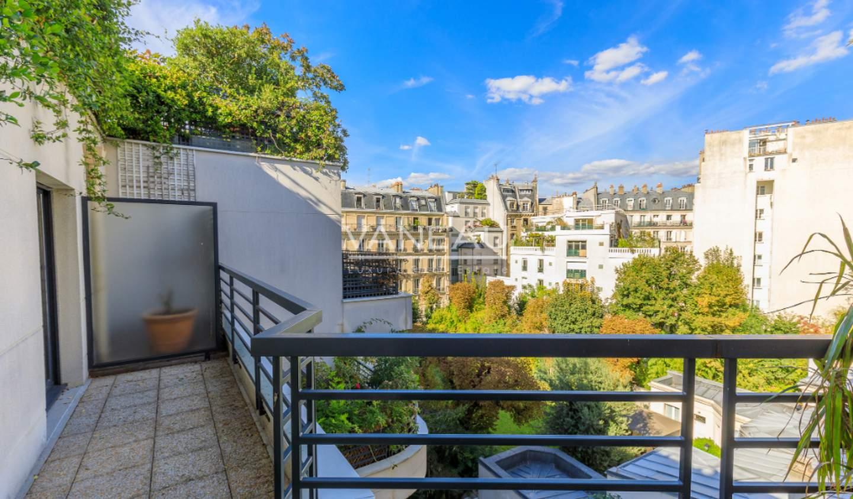 Apartment with terrace Paris 17th