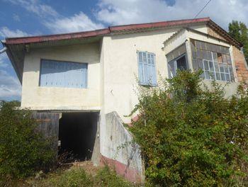 maison à Eyguians (05)