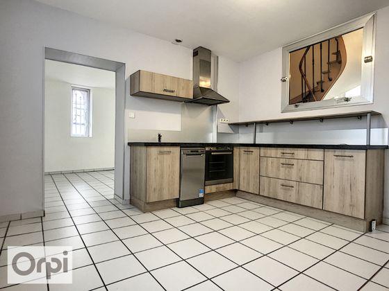 Location appartement 3 pièces 71,21 m2