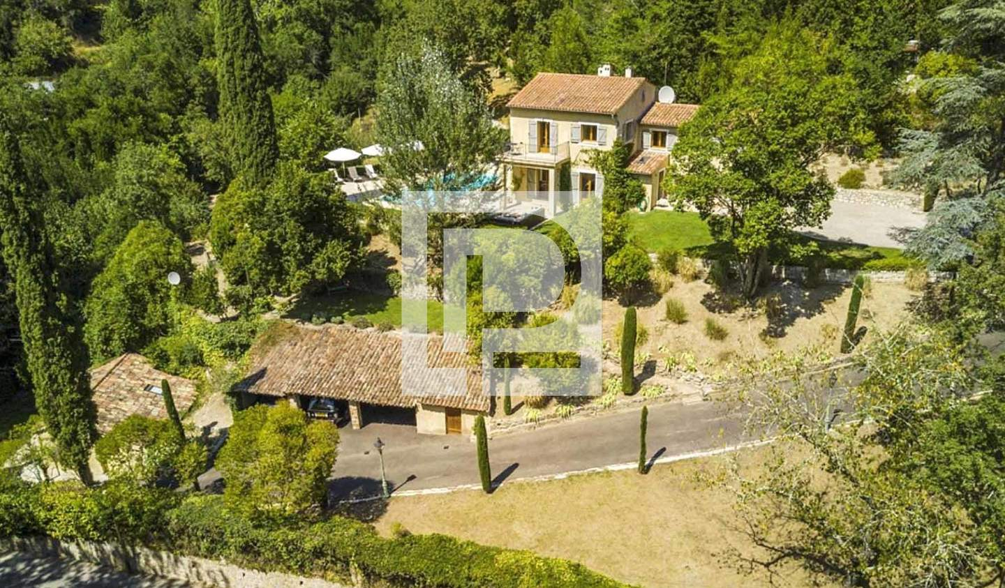 House with pool Grasse