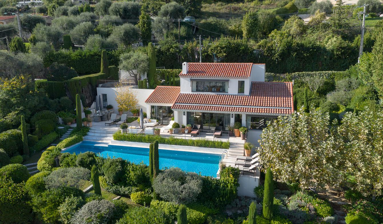 Villa with pool and garden Vence