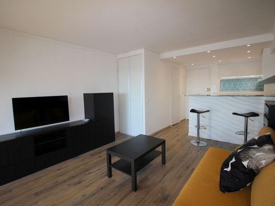 Location studio meublé 24,02 m2