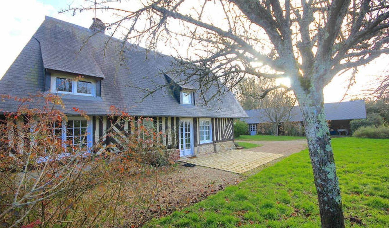 Maison avec terrasse Bourgeauville