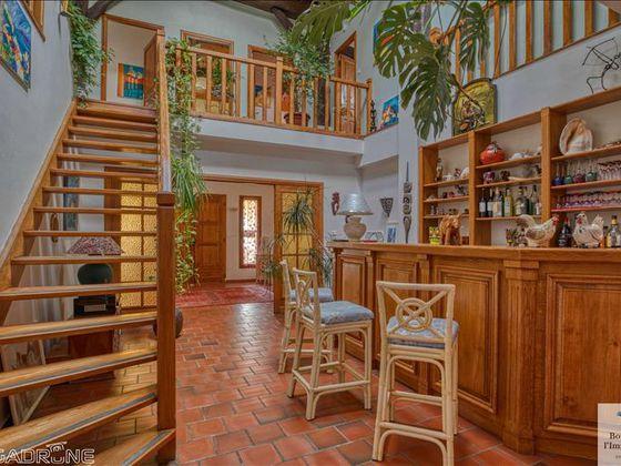 Vente maison 7 pièces 313 m2
