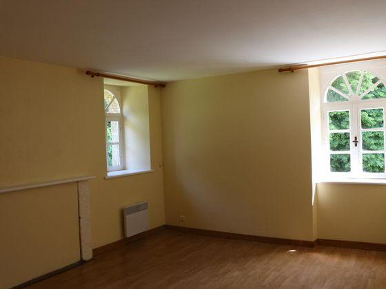 Location maison 5 pièces 200 m2