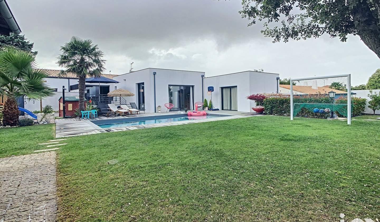 Maison avec piscine et terrasse Nieul-sur-Mer