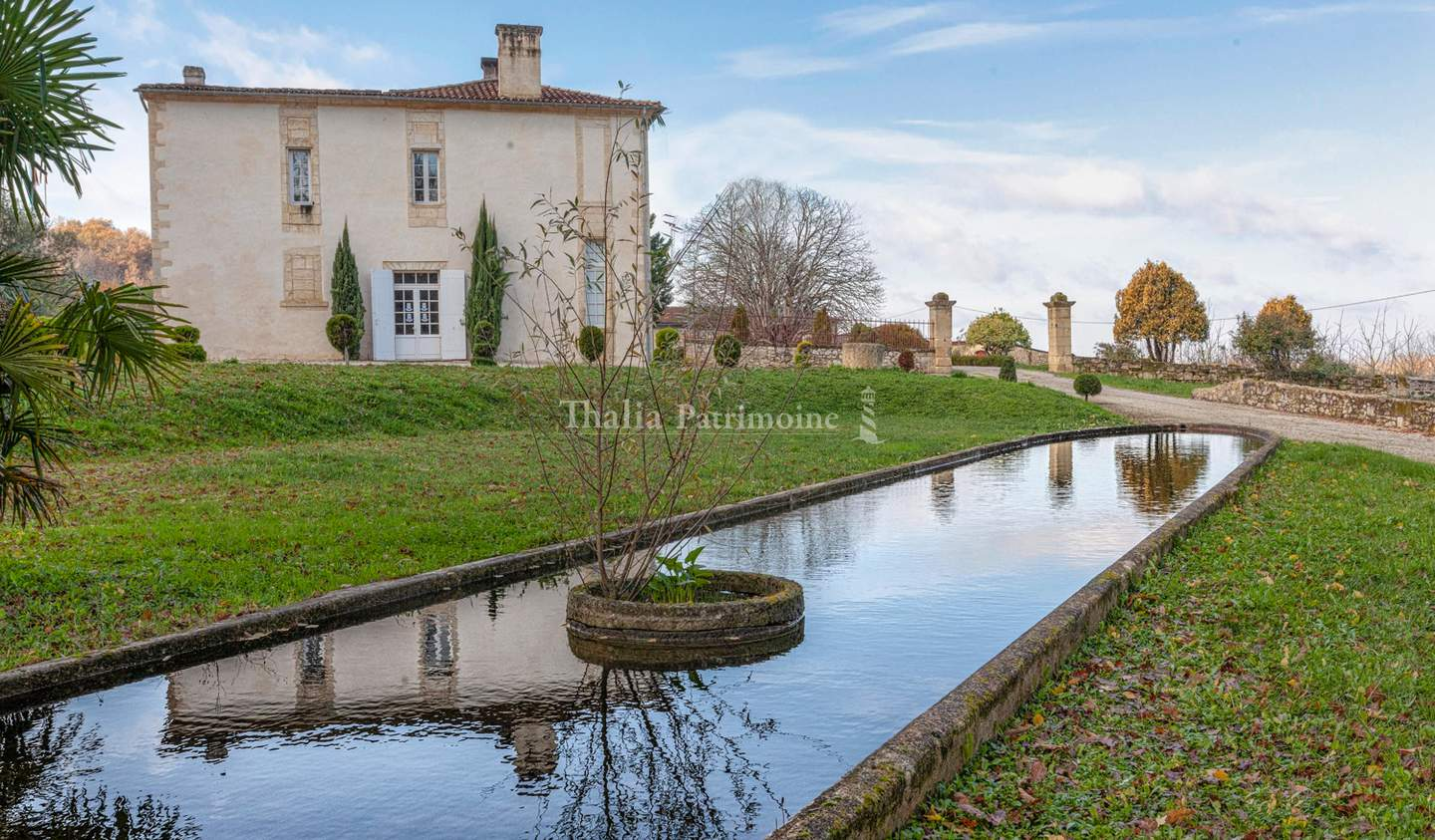 House with pool and terrace Castillon-la-Bataille
