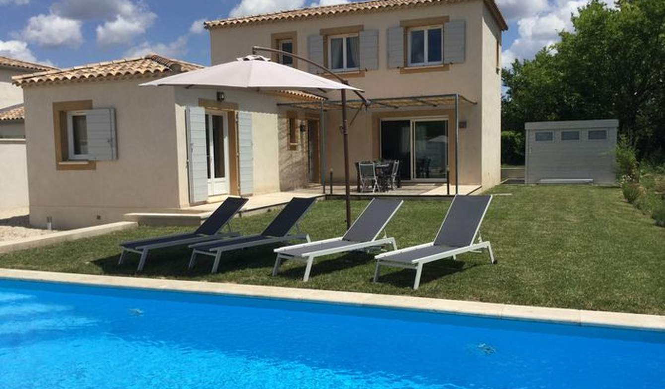 Villa with pool and garden Mouriès