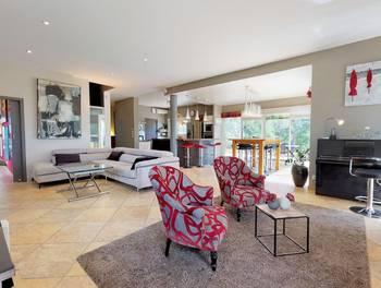 Villa 6 pièces 256 m2