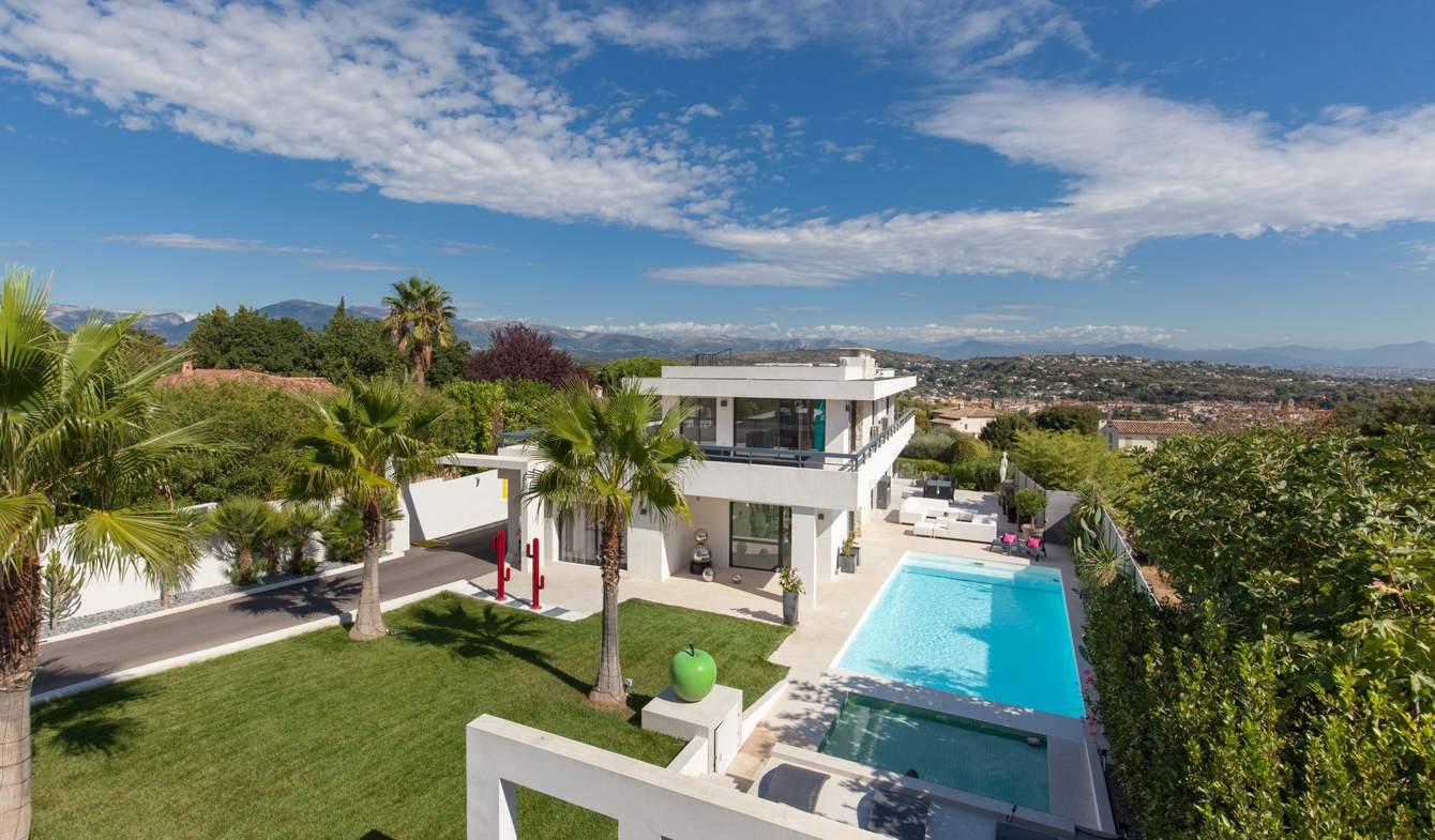 Villa with pool Biot