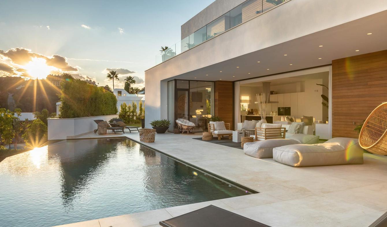 Villa avec piscine en bord de mer Benahavís