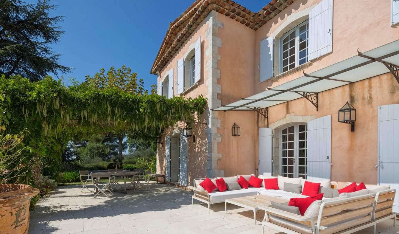 Villa with pool and garden Saint-Cézaire-sur-Siagne