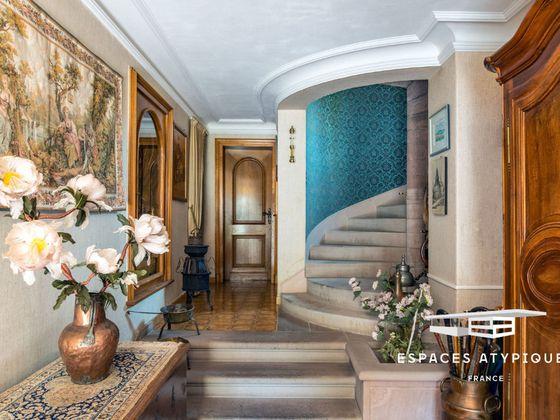 Vente maison 17 pièces 898 m2