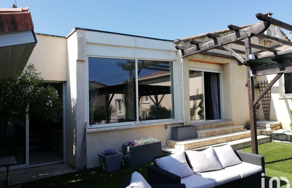 Vente maison 5 pièces 152 m² à Saint-Remèze (07700), 378 000 €