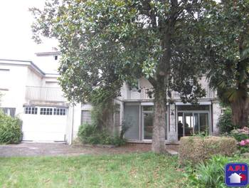 Maison 16 pièces 376 m2