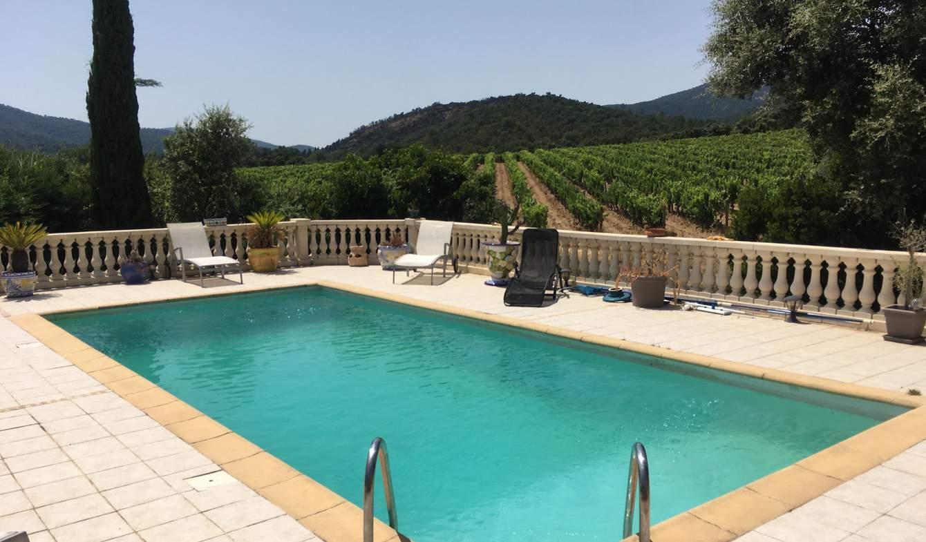 Villa avec piscine et jardin La Môle