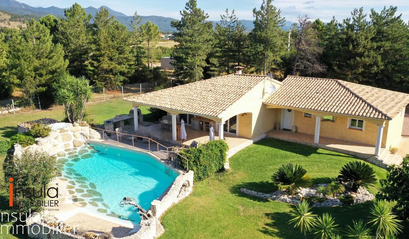 Villa with pool GHISONACCIA