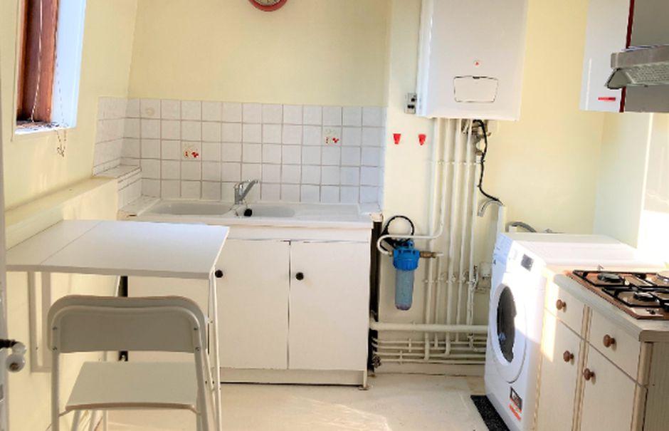 Location  appartement 3 pièces 61 m² à Saint-Quentin (02100), 496 €