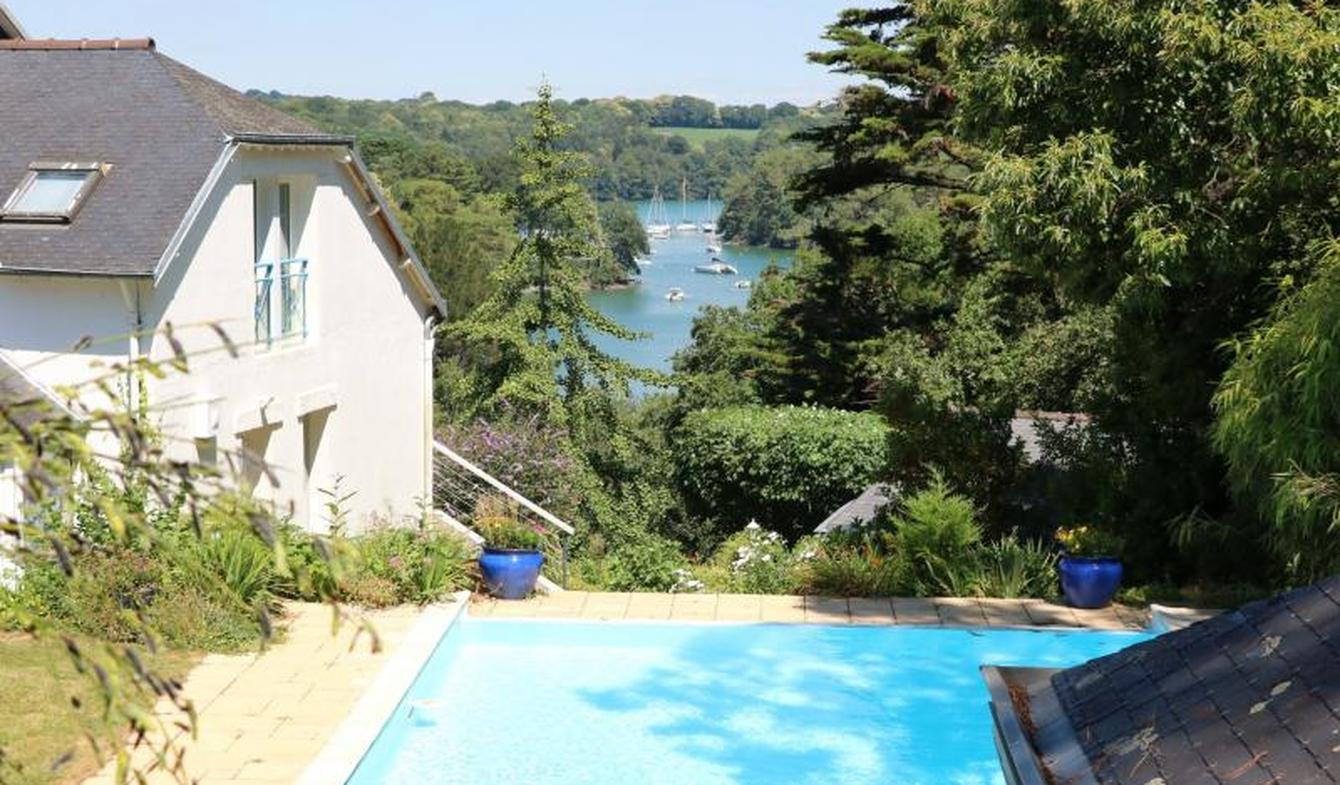 Seaside property with pool Moëlan-sur-Mer