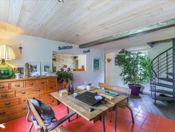 Maison 5 pièces 261 m2
