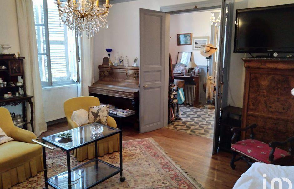 Vente maison 6 pièces 220 m² à La Châtre (36400), 41 000 €