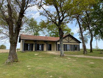 maison à Eyres-Moncube (40)