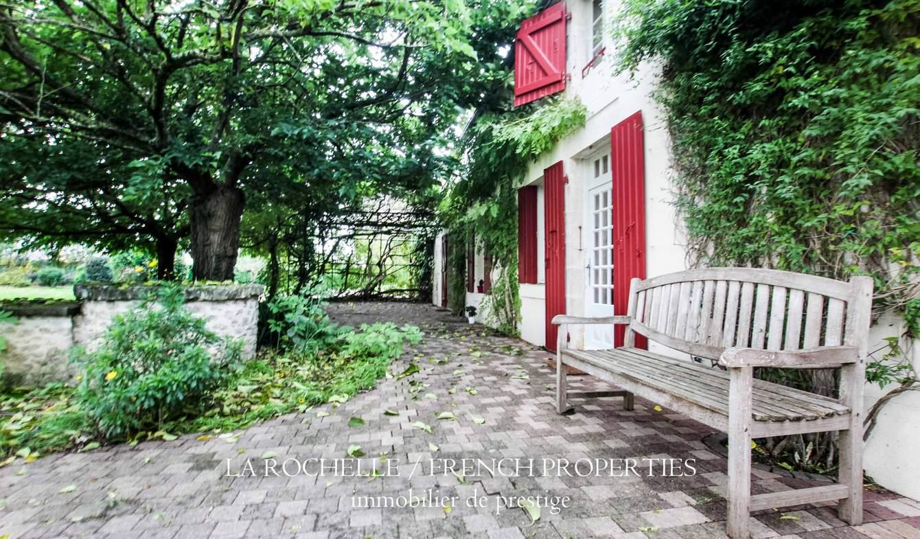 Maison avec terrasse Fontenay-le-Comte