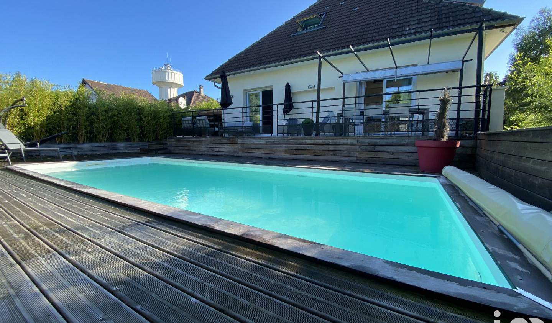 Maison avec piscine et terrasse Neuilly-Plaisance