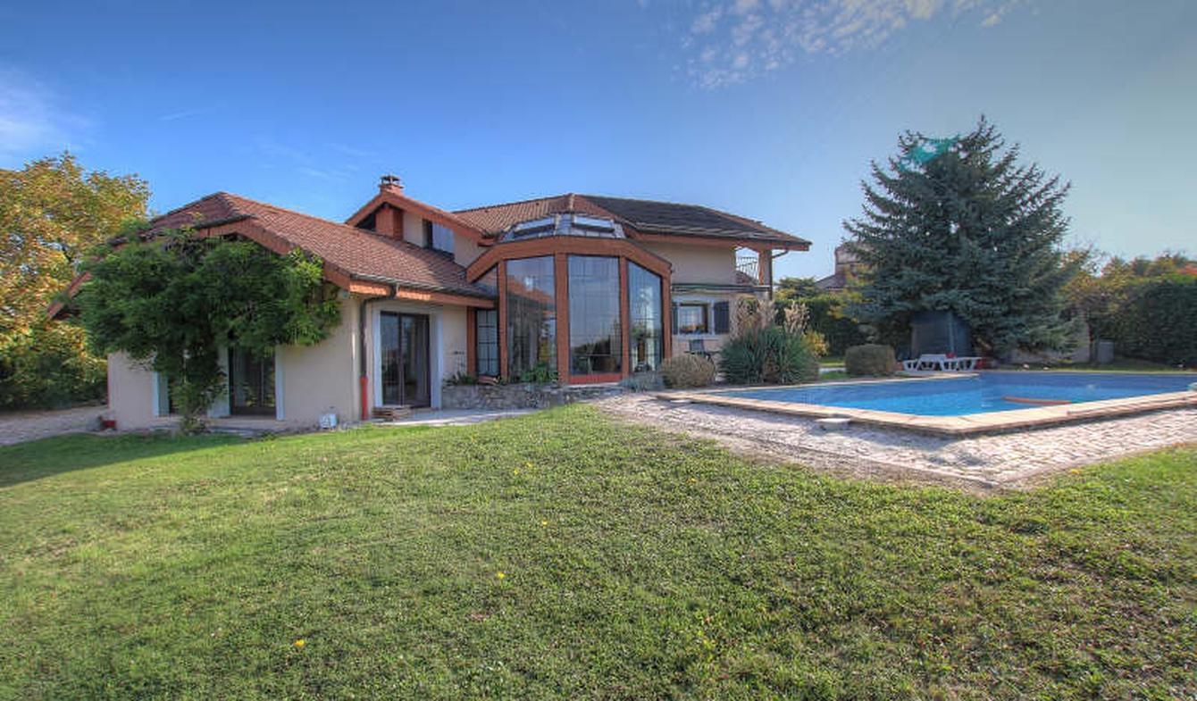 Villa avec terrasse Loisin