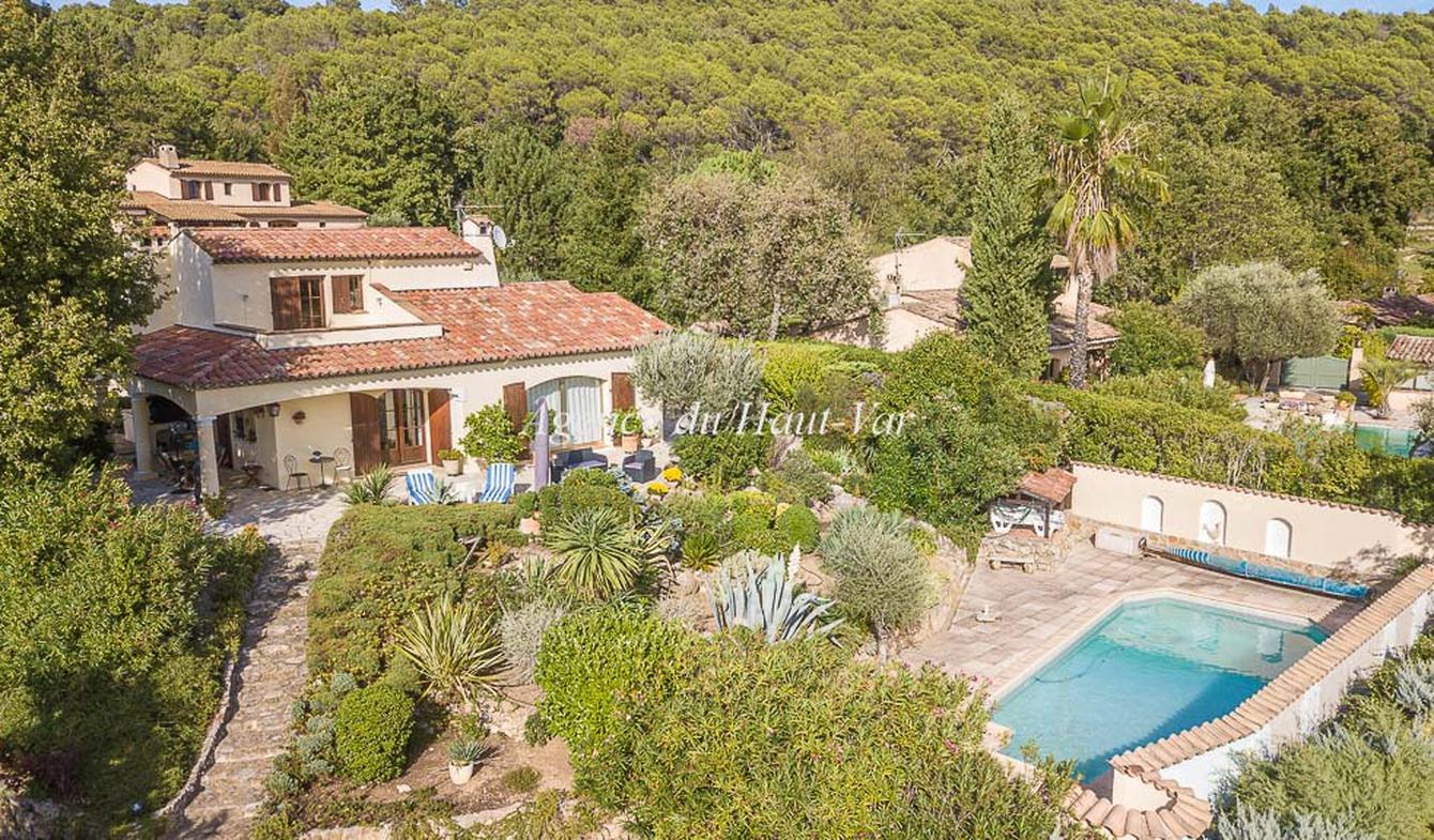 Villa avec piscine et terrasse Tourrettes