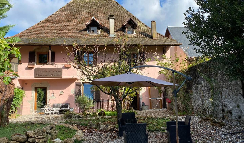 Maison avec terrasse La Bridoire