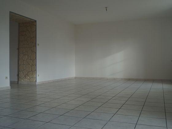 Location maison 4 pièces 118,09 m2