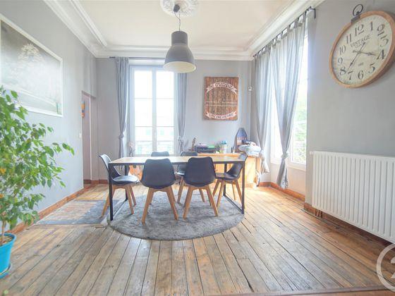 Location maison 6 pièces 156,78 m2
