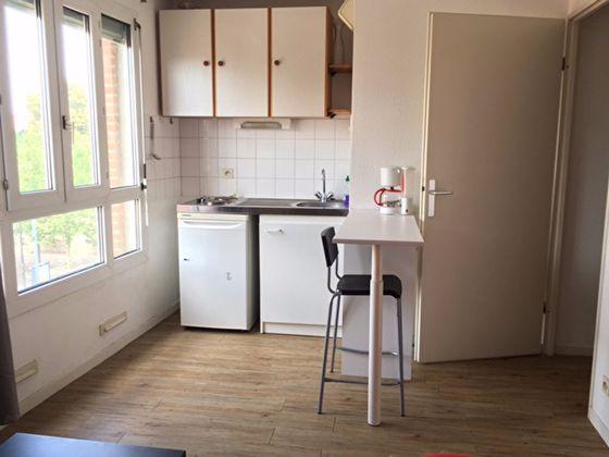 Location studio meublé 20,06 m2