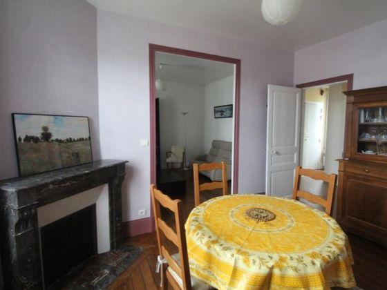 Location appartement meublé 4 pièces 72,25 m2