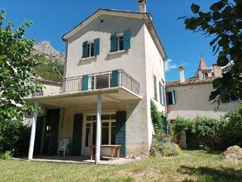 maison à Orpierre (05)