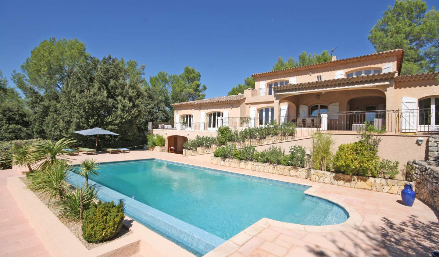 House with pool and terrace Lorgues